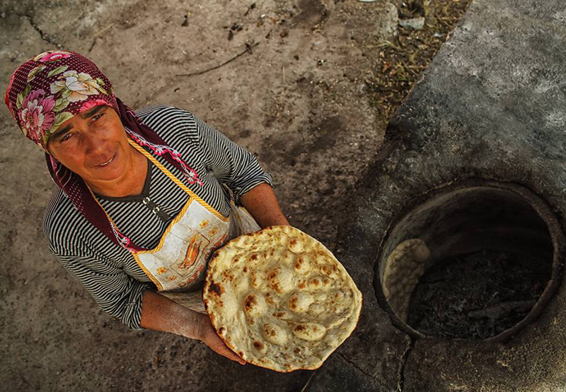 Tandır ekmeği
