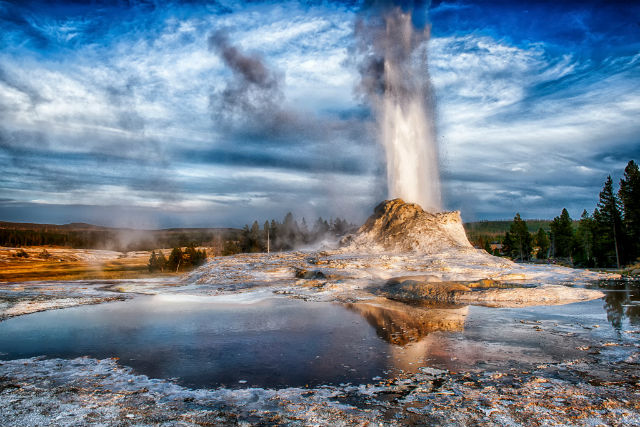 Old Faithful Gayzeri, Amerika, Wyoming, Yellow Stone Parkı