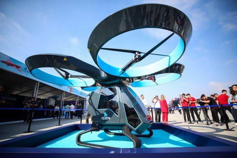 Milli imkanlarla Baykar firması tarafından geliştirilen ilk kentsel hava taşımacılığı aracı Cezeri tanıtıldı.