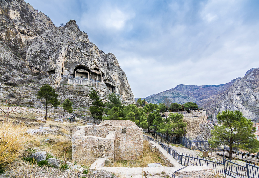 Pontus Kral Kaya Mezarları Hangi İlimizdedir