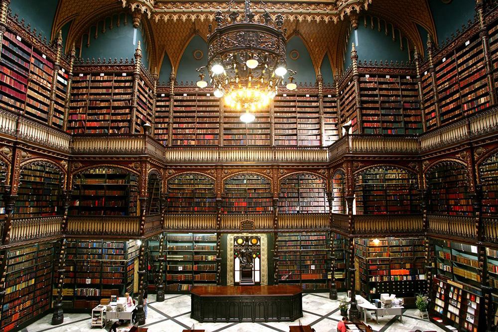 Portekiz Kraliyet Okuma Salonu. Dünyanın En Güzel 10 Kütüphanesi.