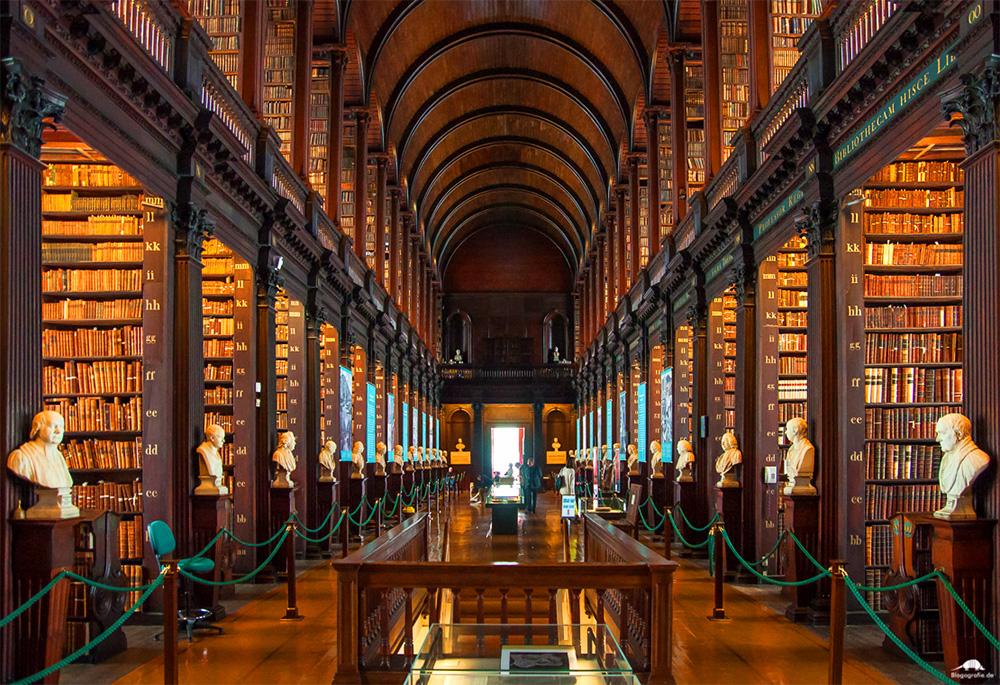 Trinity College Kütüphanesi