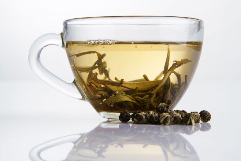 Beyaz Çay Kalp Rahatsızlıklarına İyi Gelir..