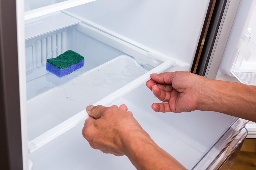 Buzdolabındaki Rafları ve çekmeceleri çıkarın