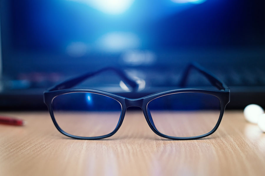 Mavi Işığı Engelleyen Gözlükler